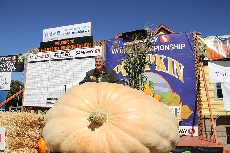 2018 Pumpkin Weigh-Off 4-time winner Steve Daletas
