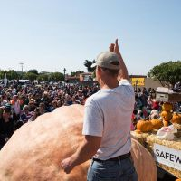 2017 Pumpkin Weigh-Off Winner Joel Holland